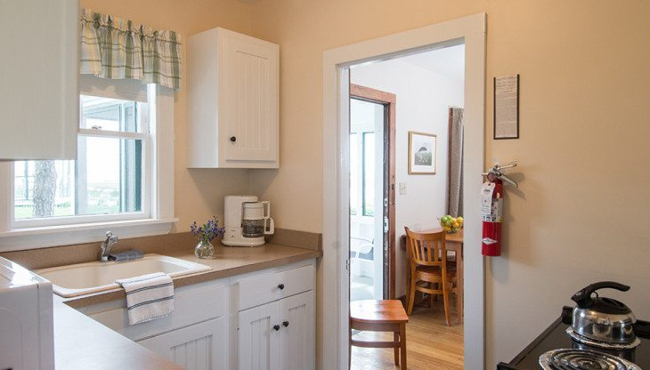 full kitchen in Ogunquit waterfront cottage